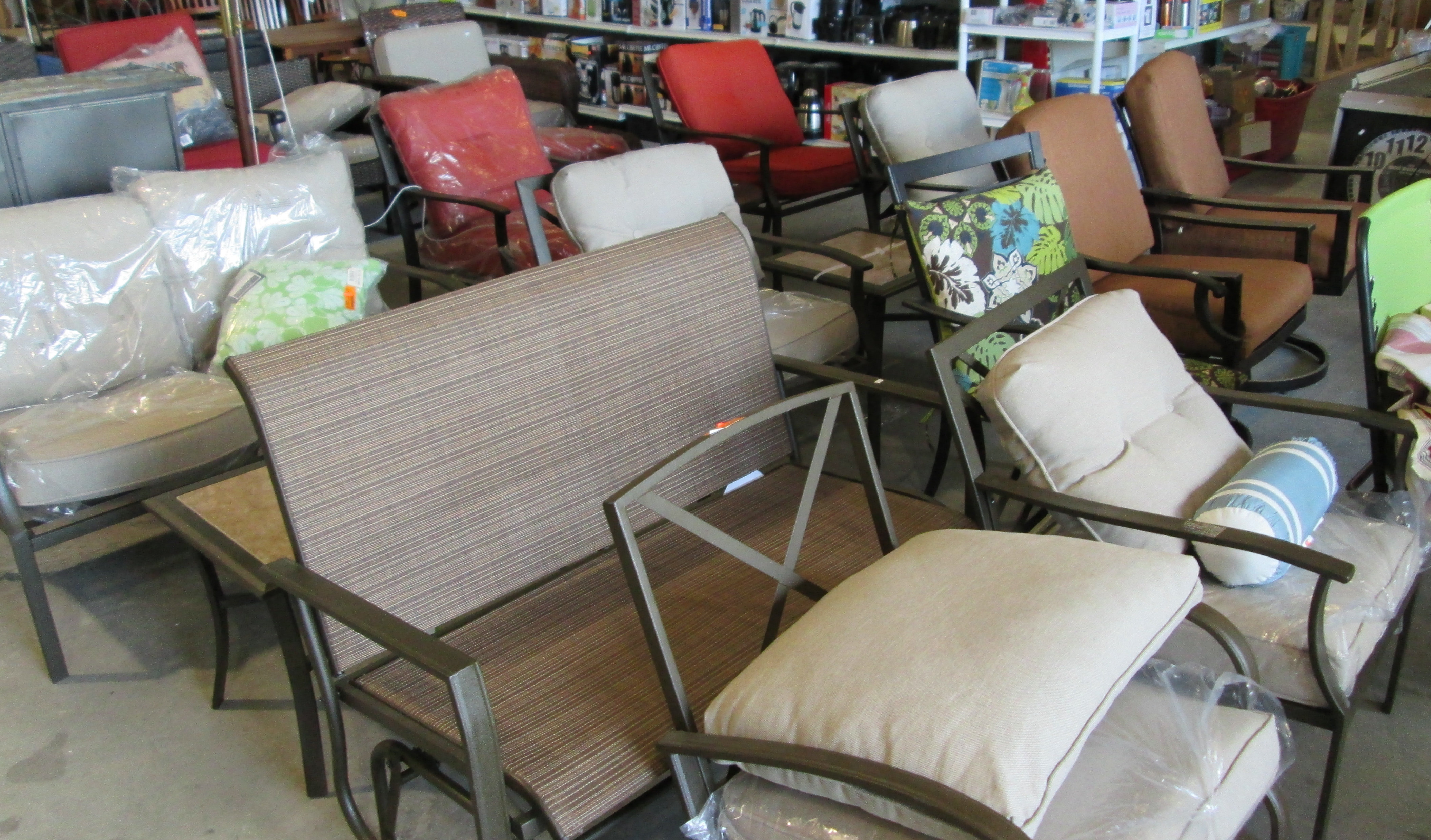 Save 50 75% Off Retail On Patio Furniture Everyday.